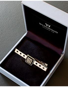 Луксозна игла за вратовръзка Wedgwood паладий и порцелан