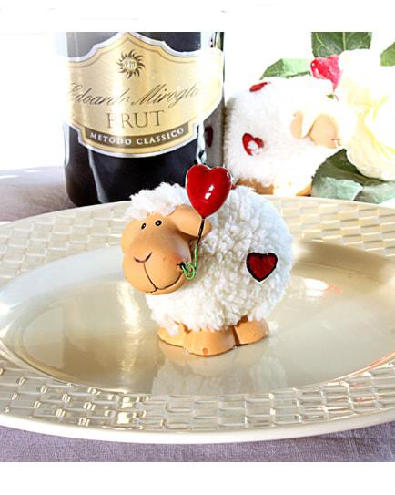 Весела овчица