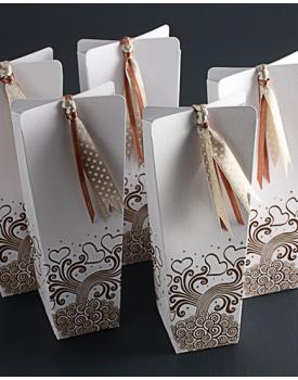 Луксозна кутийка за сватбено подаръце Сърца