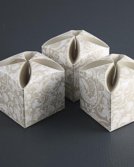 Луксозна кутийка за сватбено подаръче