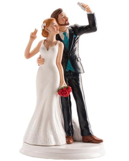 СЕЛФИ фигурка за сватбена торта
