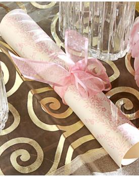 Сватбена покана свитък с розова панделка