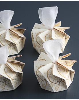 Сватбена покана кутийка с бяла панделка