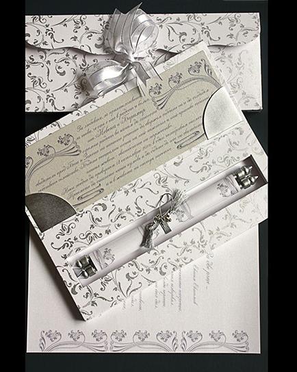 Луксозна сватбена покана в нежно бяло