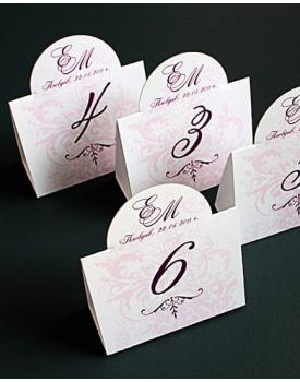 Номера за масите с розови нюанси