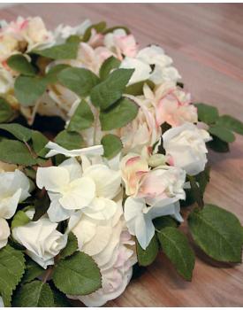 Сватбена украса за кола от рози